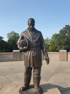 Firefighter Memorial - Fallen hero statue, KCMO